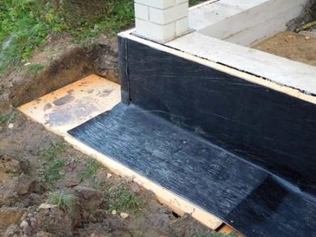 Приклеится ли на гидроизоляцию плитка