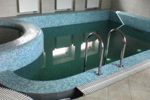 Строим каркасный бассейн в частном доме
