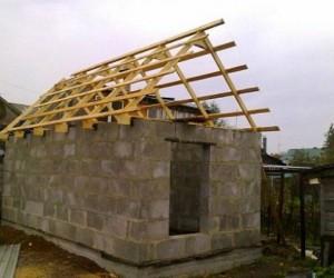Строим на загородном участке дом-баню из  пеноблоков