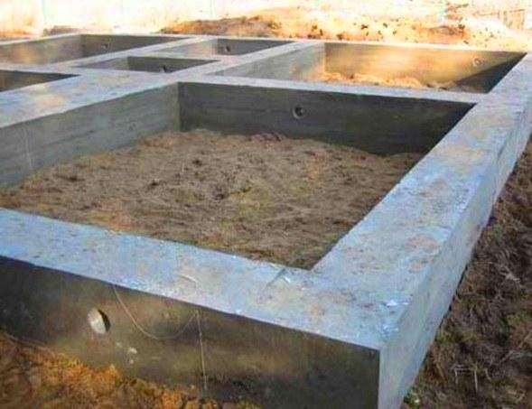 Как-залить-фундамент-вокруг-дома