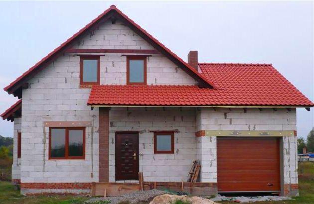дом-из-пеноблоков-с-гаражом